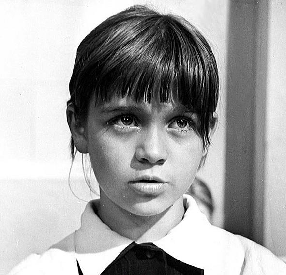Подпись Б.Золотарева к фото: 1978 год: дочь Аня в фильме «Недопесок Наполеон III»