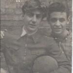 """Подпись Б.Золотарева к фото: """"1953 или 1954 год: с Сережей Левиным мы дружим больше 60-ти лет"""""""