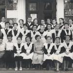 """Подпись Б.Золотарева к фото: """"1956 год: выпуск нашего 10 """"А"""""""
